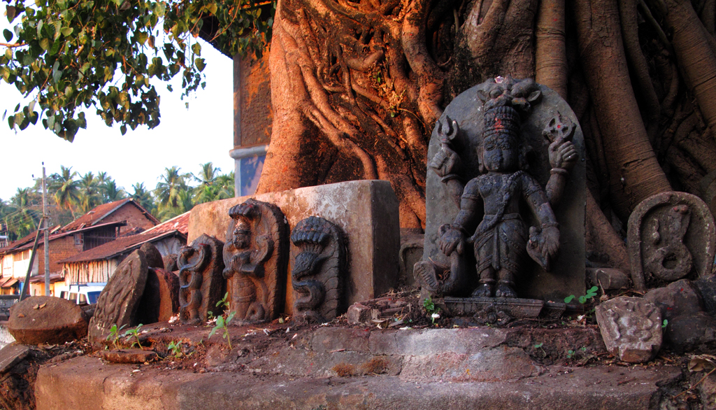 The Curse of Gokarna: The history of an Indian village » Old